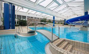 Lejrskole, indendørs svømme pool