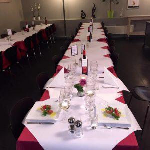 Lejrskole, bord dækket op